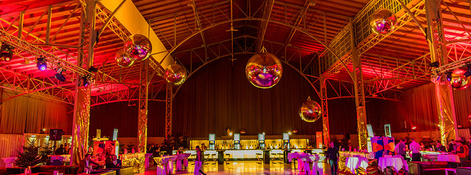 Friends4Friends Golden Christmas 2016 St. Marx Halle - Event by Supportingpool